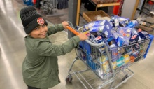 This 7-year-old is making and delivering care packages to the elderly shut in by the coronavirus